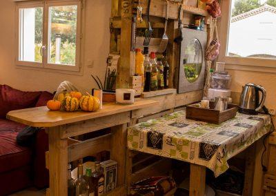Meuble-cuisine-bar-bureau-bibliotheque-par-Ambiance-Palette-(1)