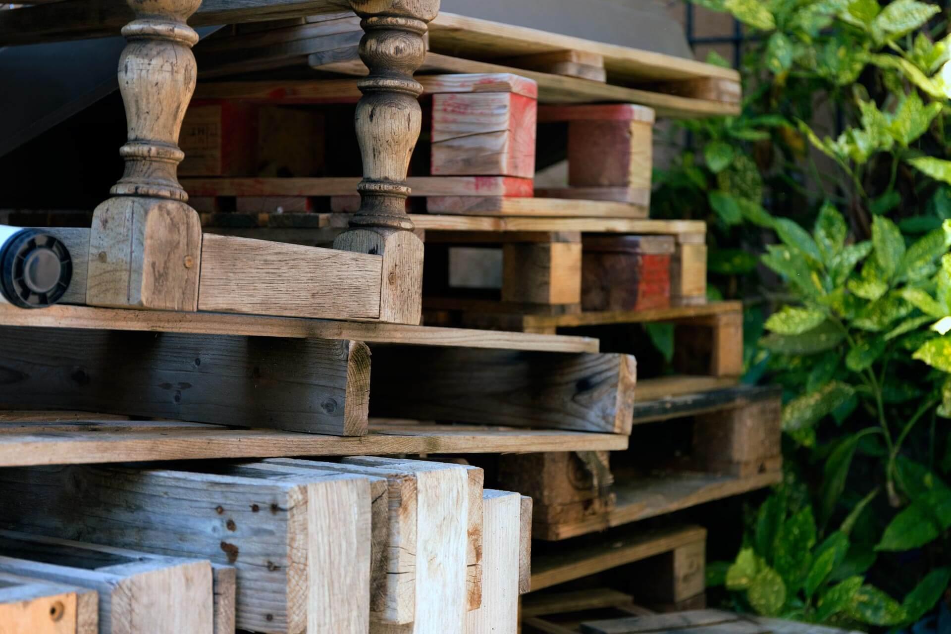 stock de bois à récupérer chez Ambiance Palette