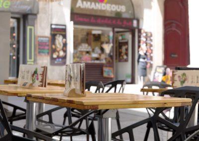 tables-de-terrasse-Amandeous-par-Ambiance-Palette